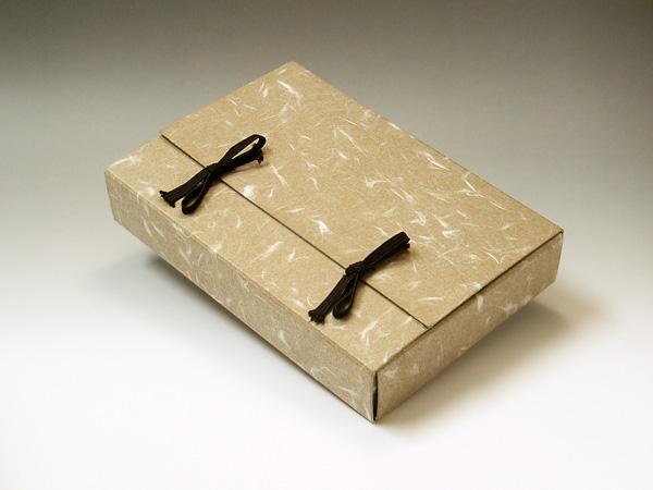 鉄鉢12色セット(彩雲堂製)の箱